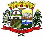 """O brasão de Armas do município de jaboti de autoria de Reginaldo Valaski, é, simbolizado como escudo clássico, ensinando pela corroa Mural que sobrepõe o Brasão, sendo em ouro (metal) e de oito torres, das quais cinco são vistas, digo, visíveis sem domínio, classificando o Município de """"cidade"""" e a sua grandeza e desenvolvimento. No centro abaixo da coroa Mural, encimado o campo do Brasão Municipal, uma Coroa em metal ouro, assim simbolizando a Padroeira do Município que é """"Nossa Senhora das Dores"""". A seguir descrevendo o Brasão de Armas no qual o seu campo está dividido em cinco partes, distintos em plano na parte superior a esquerda (sinistra) vemos o símbolo nobre do """"Curupira"""" do qual cada letra tem seu significado dos quais são as seguintes """"Conselho Unificado, Rural, Urbano de Proteção e Incentivo a Recuperação Ambiental, no mesmo campo com o fundo branco vemos o arco-íris, com as cores azul (Blue); vermelho (Gdes); verde (sinopla) e o marrom o qual as cores tem seu significado distintos: o azul é a extinção a poluição, o vermelho é a preservação e a extinção da fauna, o verde a preservação da mata e o marrom é a preservação e a conservação do solo, (Ecologia). E ao centro do mesmo campo temos o emblema do pequeno índio dando o seu exemplo com os seguintes dizeres """"Tudo o que vive é meu próximo"""". No campo retangular abaixo a esquerda do brasão vemos três engrenagem as quais representam a estrutura industrial e Comercial do Município, no qual é dotado de um rico parque industrial de cerâmicas e industrialização da mandioca a fábrica de polvilho. Abaixo do retângulo Industrial, a esquerda a ( sinistra) vemos o símbolo da riqueza cereal do Município em verde (sinopla) café, feijão, milho, arroz, algodão e demais cereais. No campo do Brasão a direita (destra) em fundo amarelo a frente sobreposto a uma estante de livro, um tinteiro com uma caneta, assim, simbolizando a Educação e o Ensino no Município. Abaixo à direita vemos as montanhas e seus declives, abaixo a r"""